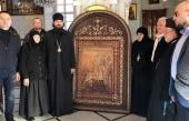 Более двадцати резных икон привезены из России для христианских храмов в Сирии