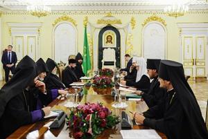 Состоялась встреча Предстоятеля Русской Православной Церкви с Верховным Патриархом и Католикосом всех армян