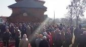В селе Розваж Ровенской области сторонники «ПЦУ» захватили штурмом храм Украинской Православной Церкви во время службы