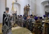 В понедельник Страстной седмицы Святейший Патриарх Кирилл совершил Литургию Преждеосвященных Даров в Донском ставропигиальном монастыре