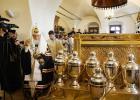 Святейший Патриарх Кирилл совершил молебен на начало чина мироварения