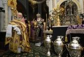 В Великий Четверток Святейший Патриарх Кирилл совершил Литургию и чин умовения ног в Храме Христа Спасителя