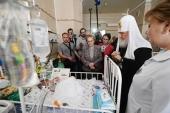 В праздник Пасхи Святейший Патриарх Кирилл посетил Морозовскую детскую больницу в Москве