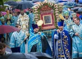 В праздник Корсунской-Шпилевской иконы Божией Матери более двух тысяч верующих прошли крестным ходом с чудотворным образом по историческому центру Сум