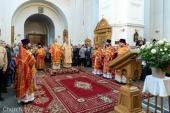 В четверг Светлой седмицы Патриарший экзарх всея Беларуси совершил Литургию в Спасо-Евфросиниевском монастыре города Полоцка