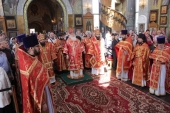 Митрополит Истринский Арсений возглавил торжества по случаю престольного праздника Георгиевского храма на Поклонной горе в Москве