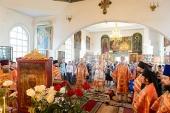 В Кокшетау состоялась Литургия по случаю принесения чудотворной Феодоровской иконы Пресвятой Богородицы