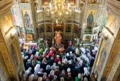 В Неделю святых жен-мироносиц Патриарший экзарх всея Беларуси совершил Литургию в храме равноапостольной Марии Магдалины в Минске