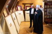 Патриарший экзарх всея Беларуси посетил выставку икон из мрамора в музее «Лошицкая усадьба» города Минска