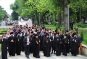 Президент Республики Молдова Игорь Додон и митрополит Кишиневский Владимир приняли участие в многочисленном марше в поддержку традиционной семьи в Кишиневе