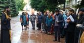 У здания областной администрации в Черновцах после очередного захвата храма Украинской Православной Церкви проходит круглосуточное молитвенное стояние
