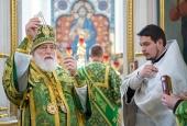 В праздник Святой Троицы Патриарший экзарх всея Беларуси совершил Литургию в Свято-Духовом кафедральном соборе Минска