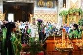 Митрополит Астанайский Александр в праздник Живоначальной Троицы возглавил Литургию в Софийском соборе Алма-Аты