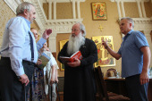 Глава Орловской митрополии встретился с орловскими писателями