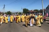 В день памяти первоверховных апостолов Петра и Павла в Петропавловске состоялся самый многочисленный в Казахстане крестный ход