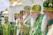 В день памяти прп. Сергия Радонежского Святейший Патриарх Кирилл совершил Литургию в Троице-Сергиевой лавре и возглавил хиротонию архимандрита Силуана (Никитина) во епископа Петергофского