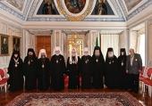 Святейший Патриарх Кирилл вручил церковные награды архиереям и настоятельницам женских монастырей