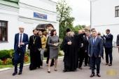 В рамках подготовки к юбилейным торжествам Успенского Жировичского монастыря обитель посетила глава Администрации Президента Белоруссии