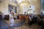 В день памяти преподобномучениц великой княгини Елисаветы и инокини Варвары председатель Синодального отдела по благотворительности совершил Литургию в Марфо-Мариинской обители в Москве