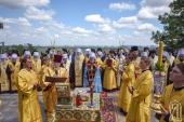 300 тысяч верующих Украинской Православной Церкви приняли участие в крестном ходе, посвященном Дню Крещения Руси