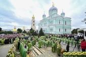В день памяти преподобного Серафима Саровского Святейший Патриарх Кирилл совершил Литургию в Серафимо-Дивеевском монастыре
