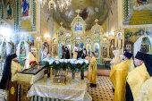 Православные жители Атырау и Уральска встретили Пояс Пресвятой Богородицы