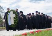 В годовщину начала блокады делегация Санкт-Петербургской епархии приняла участие в возложении венков на Пискаревском кладбище