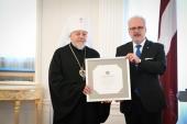 Президент Латвийской Республики Эгилс Левитс поздравил митрополита Рижского Александра с 80-летием со дня рождения