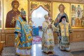 В праздник Покрова Пресвятой Богородицы Патриарший экзарх всея Беларуси совершил Литургию в Покровском храме Минска