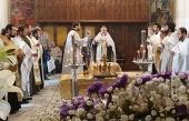 В годовщину трагедии в Керченском политехническом колледже совершены заупокойные богослужения