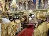 В день памяти святителей Московских председатель Синодального отдела по монастырям и монашеству совершил Литургию в Успенском соборе Московского Кремля