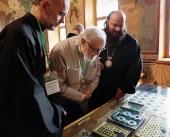 Члены делегации Архиепископии западноевропейских приходов поклонились святыням Троице-Сергиевой лавры