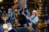В праздник Казанской иконы Божией Матери Предстоятель Русской Церкви совершил Литургию в Успенском соборе Московского Кремля