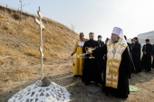 В Лисьей балке в Чимкенте освящен закладной камень в основание памятника новомученикам казахстанским