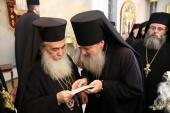 Начальник и сотрудники Русской духовной миссии поздравили Патриарха Иерусалимского Феофила с праздником Рождества Христова