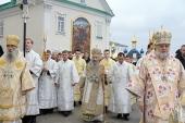 В ходе визита в западноукраинские епархии Блаженнейший митрополит Онуфрий совершил Литургию в Успенской Почаевской лавре