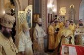 Патриарший наместник Московской епархии возглавил престольные торжества Трехсвятительского храма Коломенской духовной семинарии