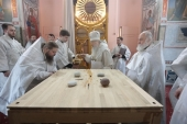 Патриарший наместник Московской епархии совершил чин великого освящения храма Рождества Пресвятой Богородицы в подмосковной деревне Льялово