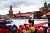 Святейший Патриарх Кирилл посетил финальный этап X турнира по русскому хоккею на Красной площади