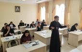 При участии Синодального отдела по благотворительности в Калужской епархии пройдут курсы жестового языка