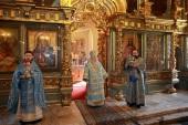 В праздник Иверской иконы Божией Матери митрополит Крутицкий Ювеналий совершил Литургию в Новодевичьем монастыре г. Москвы