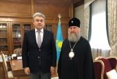 Глава Казахстанского митрополичьего округа встретился с послом Казахстана в России