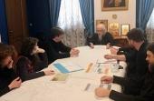Вопросы оказания волонтерской помощи пожилым людям обсудили на встрече в Синодальном отделе по социальному служению