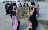 Митрополит Санкт-Петербургский Варсонофий совершил облет Северной столицы с Казанской иконой Божией Матери
