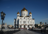 В канун Вербного воскресенья управляющий делами Московской Патриархии совершил всенощное бдение в Храме Христа Спасителя