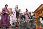 Глава Саратовской митрополии освятил колокола Спиридоновского храма города Саратова