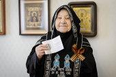 Одна из старейших насельниц Иверско-Серафимовского монастыря Алма-Аты награждена медалью в честь 75-летия Великой Победы