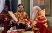 В Неделю 5-ю по Пасхе Патриарший наместник Московской епархии совершил Литургию в Новодевичьем монастыре Москвы