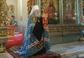 В Неделю 6-ю по Пасхе Патриарший наместник Московской епархии совершил Литургию в Новодевичьем монастыре Москвы