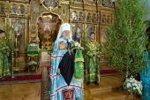 В праздник Пятидесятницы митрополит Рижский Александр совершил Литургию в Свято-Троицком соборе Риги